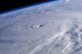 hurricane-lili-1060388__180